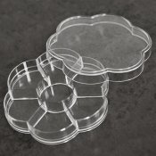 Clear flower-shaped organizer with 7compartments, 10cm