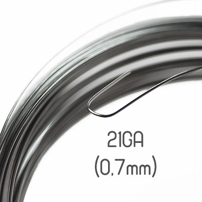 Halvrund non-tarnish stainless steel wire, 21GA (0,7mm grov)